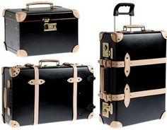 Quais os cuidados a ter com malas de mão e de viagem  Saiba como fazer mais coisas em http://www.comofazer.org/viagem-turismo/quais-os-cuidados-a-ter-com-malas-de-mao-e-de-viagem/