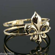 NEW! BEAUTIFUL GOLD COLOR FLEUR DE LIS BRACELET  !! REALLY PRETTY!!