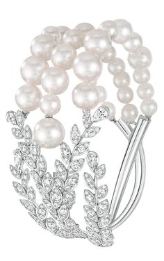 Moisson de perles Bracelet from LesBlesDeChanel - Chanel - FineJewelry collection in white gold set with 239 BrilliantCut - Diamonds cts), 4 PearCut diamonds and 32 Japanese cultured Pearls - July 2016 Pearl Bracelet, Pearl Jewelry, Diamond Jewelry, Fine Jewelry, Pandora Jewelry, Chanel Couture, Chanel Jewelry, Jewelery, Coco Chanel