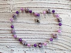Necklace with Howlith and Polaris in purple by Charmecharming 17,00 €