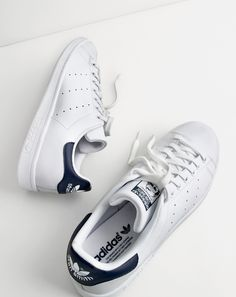 adidas Originals Stan Smith J White/Black Leather - Trainers Shoes Sneakers Mode, Best Sneakers, White Sneakers, Sneakers Fashion, Adidas Sneakers, Me Too Shoes, Men's Shoes, Boy Shoes, Men's Footwear