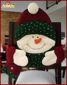 Christmas 2019 : Felt Christmas moulds and crafts - Trend Today : Your source for the latest trends, exclusives & Inspirations Christmas Sewing, Noel Christmas, All Things Christmas, Christmas Stockings, Christmas Ornaments, Christmas 2019, Christmas Chair Covers, Holiday Crafts, Holiday Decor