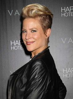 http://images.beautyriot.com/photos/brittany-daniel-short-straight-updo-funky-edgy-blonde.jpg