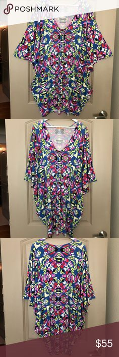 Mara Hoffman Aloha Poncho Dress One of my all time faves! Super soft and oversized with deep pockets and button up front. Piling on front. Price reflects that. Size Medium. Fits Size 6-12.  95% Rayon, 5% Spandex. Wash cold and lay flat to dry. Mara Hoffman Dresses Mini