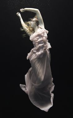 underwater fashion photography | UNDERWATER BALLET BY NADIA MORO | Ai*love fashion