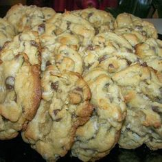 Almond Joy Cookies (almonds, chocolate chips & coconut! What's not to love??)