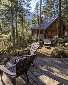 Tiny Cabins, Tiny House Cabin, Cabins And Cottages, Tiny House Living, Cabin Homes, Log Homes, Home And Living, Log Cabins, Getaway Cabins