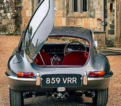 Vintage Cars Classic Jaguar E type. British Sports Cars, Classic Sports Cars, Classic Cars, Jaguar Xjc, Jaguar Type E, Jaguar Cars, Auto Retro, Xjr, Ford Mustang Gt