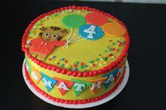 Daniel Tiger Birthday Cake cakepins.com