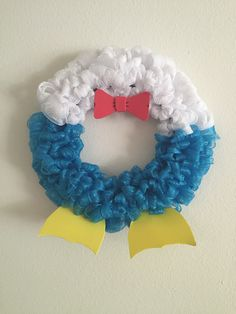 Donald Duck Wreath, WreathsbySnow on Etsy
