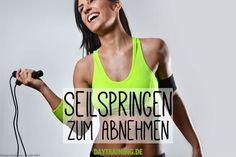 Seilspringen verbrennt ordentlich Kalorien und macht dazu noch jede Menge Spaß. Wir zeigen dir die besten Übungen für dein Training.