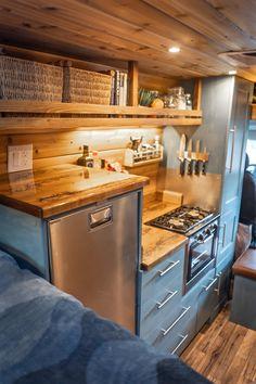 Van Conversion Interior, Camper Van Conversion Diy, Van Interior, Kombi Trailer, Camper Trailers, Bus Life, Camper Life, Build A Camper Van, Kombi Home