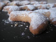 Biscuits de Noël : petits croissants aux amandes