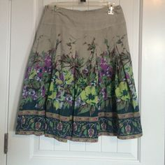 Skirt Fun lightweight skirt. *Don't forget to bundle and save money* Skirts