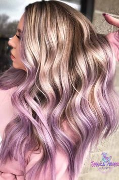 Blonde To Lavender Ombre Hair Lavender hair color is one of the most requested shades ever. Its time to fall in love with the stylish hair color and see how to pull it off awesomely. Purple Blonde Hair, Light Purple Hair, Hair Blond, Hair Color Purple, Hair Dye Colors, Cool Hair Color, Purple Wig, Blonde Color, Emo Hair