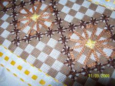 xadres - margareth mi3 - Álbuns da web do Picasa Embroidery Art, Cross Stitch Embroidery, Embroidery Patterns, Handmade Crafts, Diy And Crafts, Bordado Tipo Chicken Scratch, Chicken Scratch Embroidery, Girl Scout Crafts, Mini Album Tutorial