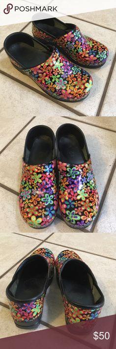 Floral Dansko size 37 Worn handful of times. Excellent condition. Dansko Shoes Mules & Clogs