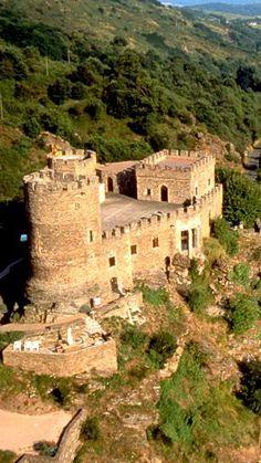 Forteresse de Chouvigny - XIIIe siècle - Allier - Auvergne                                                                                                                                                                                 Plus