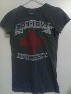 Bon Jovi Bad Medicine T Shirt Size M. I love how worn out it looks!!!