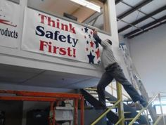 Funny fail think safety first as man leans dangerously Epic Fail, Funny Coincidences, Safety Fail, Safety Work, Oh The Irony, Darwin Awards, Workplace Safety, Office Safety, Safety First