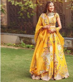 Country Wedding Dresses With Denim .Country Wedding Dresses With Denim Indian Fashion Dresses, Indian Gowns Dresses, Indian Bridal Outfits, Indian Bridal Fashion, Dress Indian Style, Indian Designer Outfits, Best Indian Wedding Dresses, Latest Indian Fashion Trends, Indian Weddings