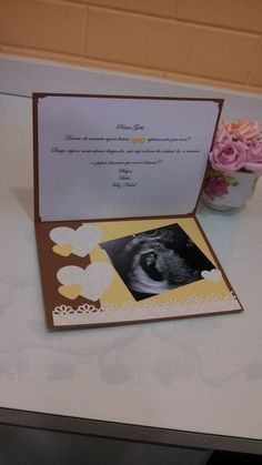 Cartão feito em scrapbooking decorado para anúncio de gravidez, personalizado conforme disponibilidade de papéis. Preço para uma única peça.