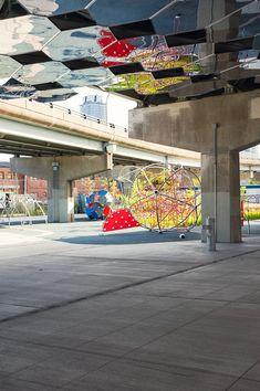Underpass Park, Toronto Pour d'autres idées: https://cbernier.wordpress.com/2016/11/17/sous-les-ponts-et-les-viaducs/