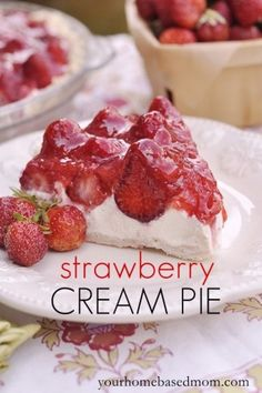 Strawberry Cream Pie is the perfect summer time dessert. A delicious creamy filling topped with fresh strawberries and a strawberry glaze. Strawberry Cream Pies, Strawberry Desserts, Strawberries And Cream, Strawberry Glaze, Strawberry Cheesecake, Yummy Treats, Sweet Treats, Yummy Food, 13 Desserts