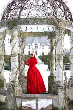 Dress: CH Carolina Herrera. Turtleneck: Jcrew. Sunglasses: Thierry Lasry. Lips: Stila. Location: Oheka Castle.