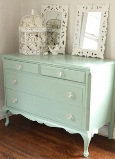 Such a pretty color. Nice little accent for a bedroom. Paint color = Benjamin Moore's Azores