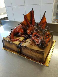 Sárkány torta / Dragon cake Készítette: Míra Reichert, Kreatív hobbik csoport