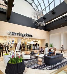 MTRDC | WESTFIELD FASHION SQUARE, Sherman Oaks, California