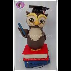 Corujinha *-* #biscuitandocomvivi #biscuit #fimo #massademodelar #massinha #new #cute #fofinho #chibi #anime #handmade #feitoamao #coruja #owl #sabedoria #books #livros #teacher #professora #formando #diploma #pedagogia