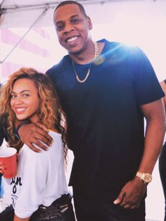 Love this natural pic of Beyonce and Jay Z. I feel like Tom haverford typing this.