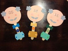 Festa dei nonni School Age Activities, Craft Activities, Grandmother's Day, Grandparents Day Crafts, Diy And Crafts, Crafts For Kids, Paper Punch Art, Art Projects, Projects To Try