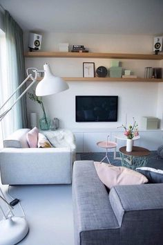 Home interior Design Videos Living Room Hanging Plants Link – Right here are the best pins around Coastal Home interior! Home Living Room, Apartment Living, Interior Design Living Room, Living Room Designs, Living Room Decor, Interior Livingroom, Pastel Interior, Luxury Interior, Interior Logo