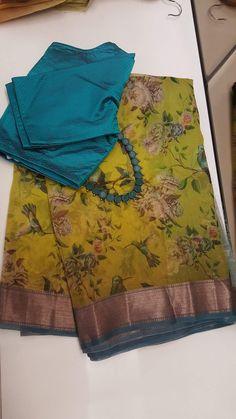 Gorgeous saree blouses design Click the link to learn more about - Cotton Saree Designs, Silk Saree Blouse Designs, Saree Blouse Patterns, Sari Blouse, Floral Print Sarees, Saree Floral, Floral Frocks, Pink Saree, Organza Saree