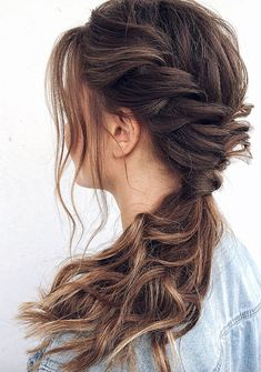 7 Clever Ways To Wear A Ponytail For Every Occasion. No matter if you like fancy, messy, or braided ponytails, or have short or long hair, here you'll find elegant and stylish ideas for any occasion. Tied Up Hairstyles, Pretty Hairstyles, Braided Hairstyles, Female Hairstyles, Hairstyles 2018, Straight Hairstyles, Braids For Black Hair, Facon, Hair Day