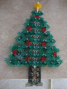Picture of Knex Christmas Tree Decoration Christmas Tree Decorations, Christmas Wreaths, Christmas Crafts, Christmas Ornaments, Holiday Decor, Christmas Ideas, School Age Activities, Activities For Kids, Crafts For Boys