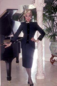 Dianne Carroll, Hollywood Divas, Vintage Black Glamour, Famous Women, Our Lady, Classic Beauty, Beautiful Black Women, Black Girl Magic, Vintage Fashion