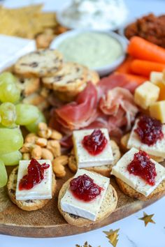 Healthy Appetizers, Healthy Snacks, Good Food, Yummy Food, Happy Kitchen, Food Platters, Snacks Für Party, Happy Foods, Christmas Cooking