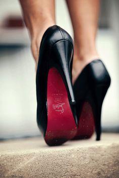black & glittering red!  ... original from discretelycharming