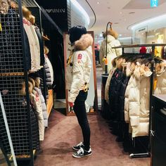 Parajumpers Coats Women, Parajumpers Toronto Shop. Style Sale Store. visit our website to view our products!