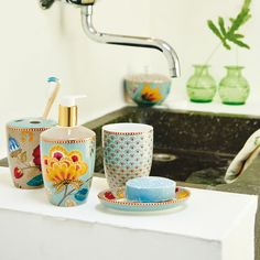 Dispenser sapone FLORAL FANTASY BLUE   PIP STUDIO in vendita su ATMOSPHERE - Oggettistica di design, accessori tavola, tessile casa, idee regalo