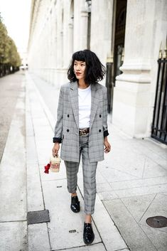 Trending: How to Style a Plaid Blazer (And Which Ones to Shop!) Currently Trending: How to Style a Plaid Blazer (And Which Ones to Shop!)Currently Trending: How to Style a Plaid Blazer (And Which Ones to Shop! Tomboy Fashion, Fashion Mode, Work Fashion, Fashion Outfits, Fashion Trends, Trendy Fashion, Womens Fashion, Tomboy Style, Style Fashion
