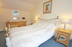 A homely welcome awaits the discerning traveller at Respryn House, nestling only footsteps away from gently sloping Porthallow beach. From £440 per week.  http://www.cornishcottageholidays.co.uk/html/property_detail.php?pid=934
