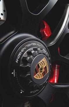 Porsche HUB