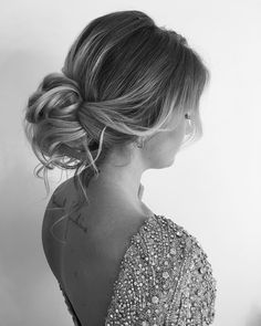 Amazing updo hairstyle with the wow factor. Finding just the right wedding hair for your wedding day is no small task but we're about to make things a little bit easier.From soft and romantic, to classic with modern twist these romantic wedding hairstyles with gorgeous details will inspire you