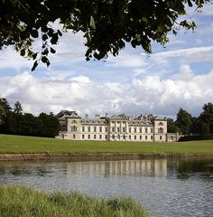 Woburn Abbey is an historic house on the border of Bedfordshire and Buckinghamshire. Vacation Places, Vacation Spots, Places To Travel, Places To Visit, Woburn Abbey, Local Attractions, England And Scotland, Republic Of Ireland, Country Estate
