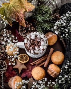 Image uploaded by Find images and videos about winter, christmas and snow on We Heart It - the app to get lost in what you love. Christmas Mood, Noel Christmas, All Things Christmas, Come Reza Ama, Chocolate Navidad, Theme Noel, Christmas Photography, Christmas Aesthetic, Beautiful Christmas